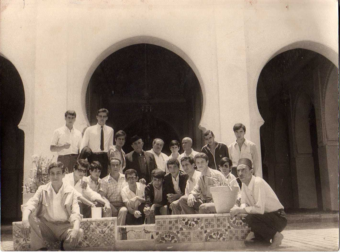 chikh_mouhamed : juillet  1970 a tlemcen(sidi_bou mediéne)